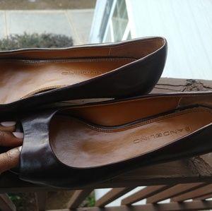 Women's brown peep toed low heels